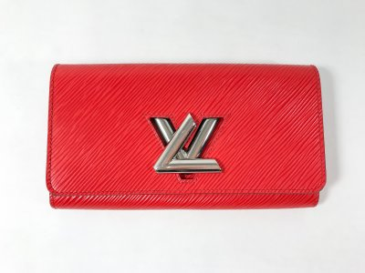 Louis Vuitton Twist Wallet in Red Epi Leather