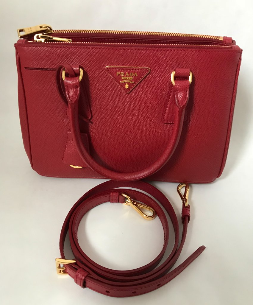 a71a7d682e95 Prada Saffiano Leather 30 Red - Bags - Lyxen.se
