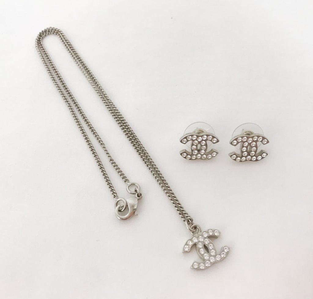 f60211a6d Chanel Accessories Set Earrings+Necklace - Lyxen.se