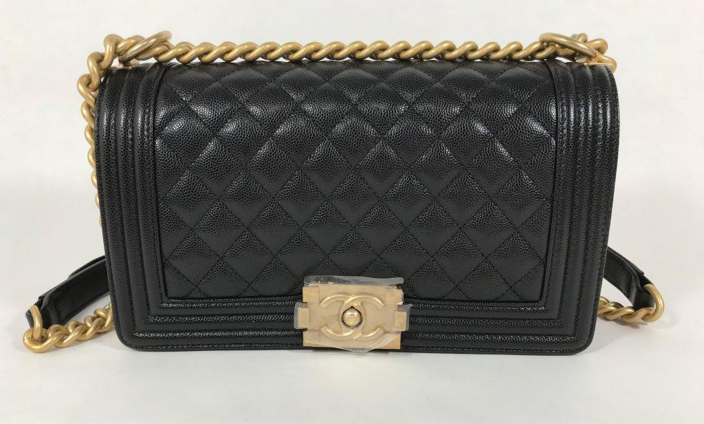 0ef37a439b8a Chanel Boy Old Medium Black Caviar - Bags - Lyxen.se